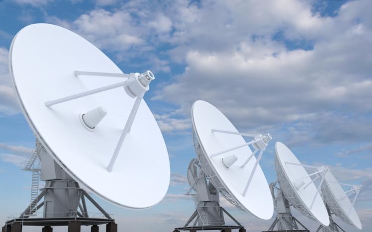 תקשורת לווינים ואנטנות